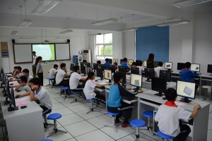 学生参与科研项目组